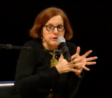 Smith speaking at the Brooklyn Museum, 2014