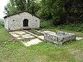 Rochefort-sur-la-Côte (Haute-Marne) fontaine-lavoir (02).jpg