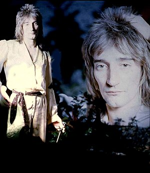 Rod Stewart (1972) by Allan Warren.jpg