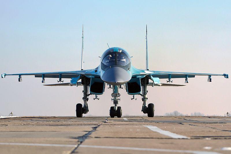 مصر والإتجاه شرقا! هل يعود السلاح الروسي للشرق الأوسط من بوابة القاهرة؟ 800px-Russian_Air_Force_Sukhoi_Su-34
