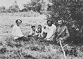 Russischer Photograph um 1890 - Dreschen und Heumachen (3) (Zeno Fotografie).jpg