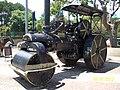 São Lourenço MG Brasil - Primeiro Rolo Compressor usado na cidade - panoramio.jpg