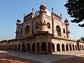 Safdarganj Tomb, Safdarganj in New Delhi 10.jpg