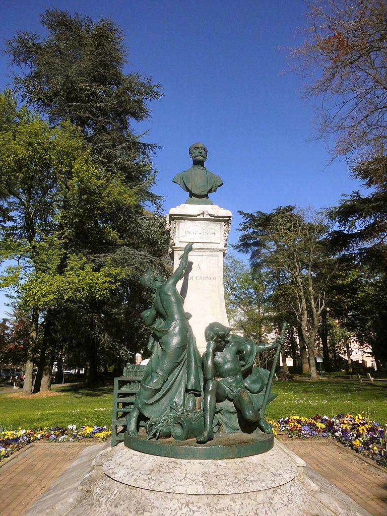 File:Saint-Chamond (Loire), la statue de Sadi-Carnot.jpg ... - Meteociel Saint Chamond