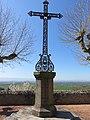 Saint-Cyr-les-Vignes - Croix métallique.jpg