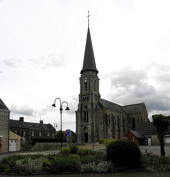 Église Saint-Médard de Saint-Mars-sur-Colmont (53). Flanc sud.