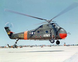 Sikorsky Aircraft - Image: Sikorsky S 58 landing c