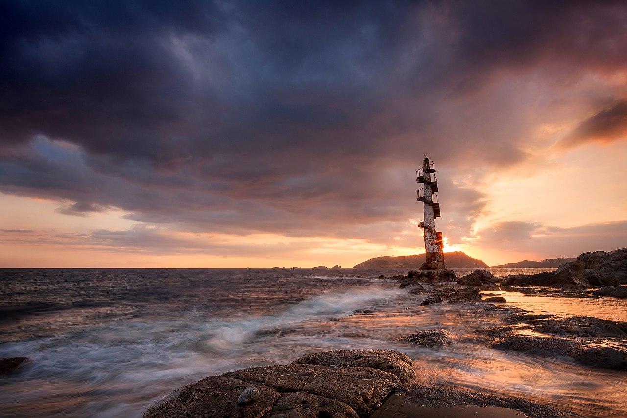 Sisiman, Bataan Lighthouse.jpg