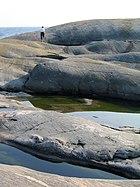 Soderskar-rocks and water.jpg
