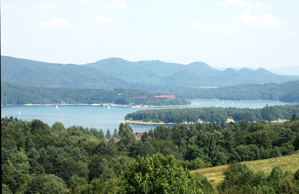 Solina lake view