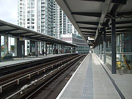 South Quay new DLR stn look west.JPG