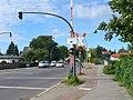 Spandau - Bahnuebergang (Level Crossing) - geo.hlipp.de - 42424.jpg