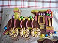 Sponge train with sweets and biscuits I.jpg
