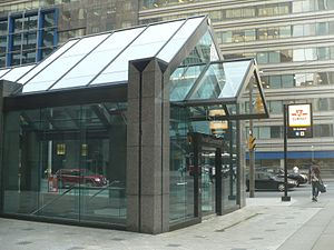 St. Andrew station - Accessible station entrance at the southeast corner of King and University