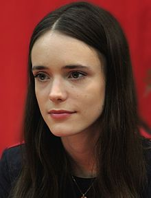 Stacy Martin (cropped).jpg