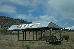 Jefferson (proposed Pacific state) - A barn near Yreka, California