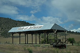 Jefferson (proposed Pacific state) - A barn near Yreka, California