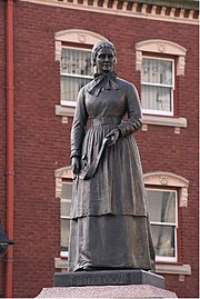 Statue of Sister Dora - geograph.org.uk - 682348