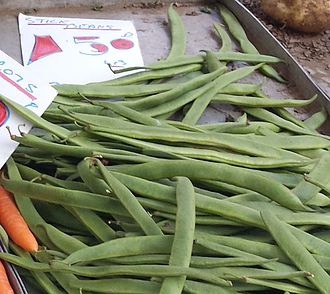 Phaseolus coccineus - Image: Stick beans for sale on a UK greengrocer's market stall in August 2013