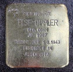 Photo of Else Oppler brass plaque