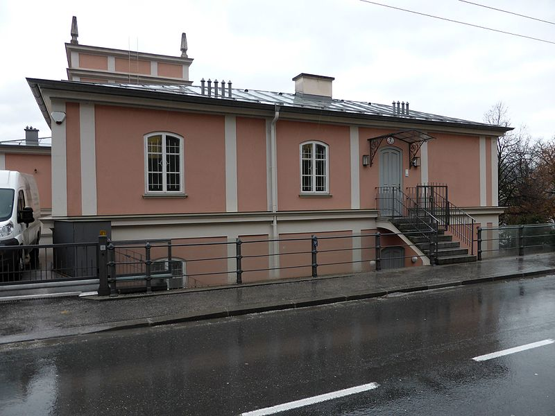 Datei:Stolperstein Salzburg, Wohnhaus (Müllner Hauptstraße 2).jpg – Wikipedia