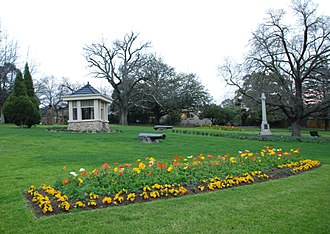 Surrey Hills, Victoria - Surrey Gardens, which lie within Surrey Hills