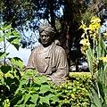 Swami Vivekananda statue at Ramakrishna Monastery, Cailfornia.jpg