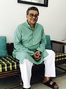 Swapan Dasgupta in May 2016.jpg