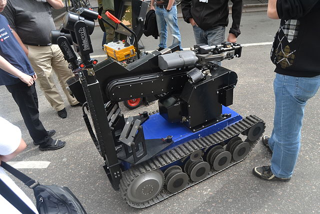 Explosive ordnance disposal and observation robot