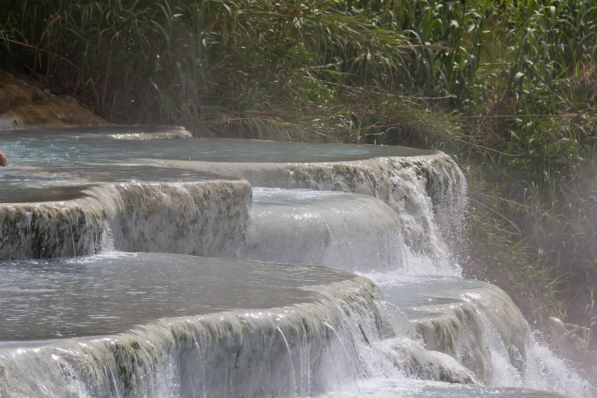 Terme di Saturnia, Cascate del Mulino o Cascate del Gorello