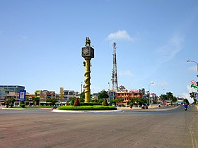 Tháp Đồng Hồ ở Vị Thanh.jpg
