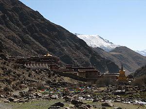 Doilungdêqên District - Image: Tibet Trek 2 03 Tsurpu Monastery (150294608)