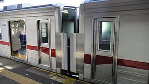 Tobu refurb 10030 Ogawamachi 20120216.JPG