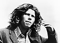 Tom Waits (1973 publicity photo).jpg