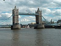 Tower Bridge in London.JPG