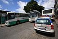 Três onibus e carro da PMBA em Salvador.jpg