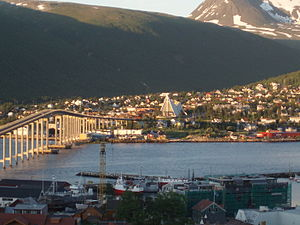 Tromsdalen - Image: Tromsø in midnightsun