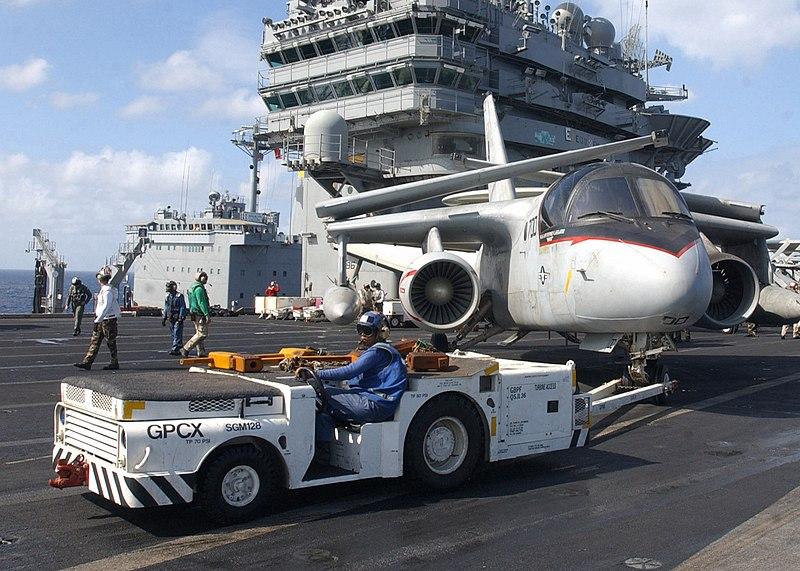 800px-US_Navy_030127-N-4965F-504_An_airc