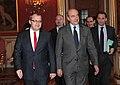 Välisminister Urmas Paet kohtus 20. detsembril Pariisis Prantsusmaa välisministri Alain Juppéga. (6544212185).jpg