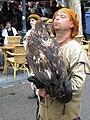 Valkenier met nog onbekende vogel.JPG