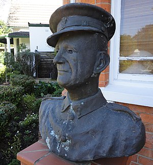 Comrades Marathon - Bust of Vic Clapham, founder of the Comrades