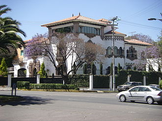 Lomas de Chapultepec - INBA-catalogued home built in the Colonial Californiano style. This mansion was on the market for an asking price of 75.88 million Mexican pesos, or about US$6 million.