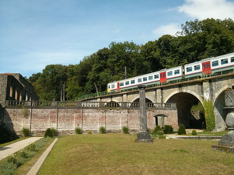 Train crossing the Villers abbey