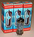 Vintage Telefunken 12AX7 (ECC83) Vacuum Tubes, Made In Western Germany (15822838905).jpg