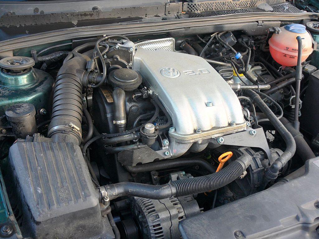 File:Volkswagen 2.0 engine.jpg - Wikimedia Commons