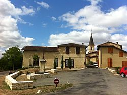 Vue sur le village de Duran (Gers, France).JPG