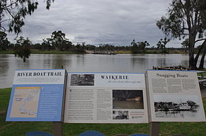 Waikerie sign and cable ferry, March 2012.jpg