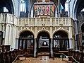 Walcourt Basilique St. Materne Innen Lettner 6.jpg