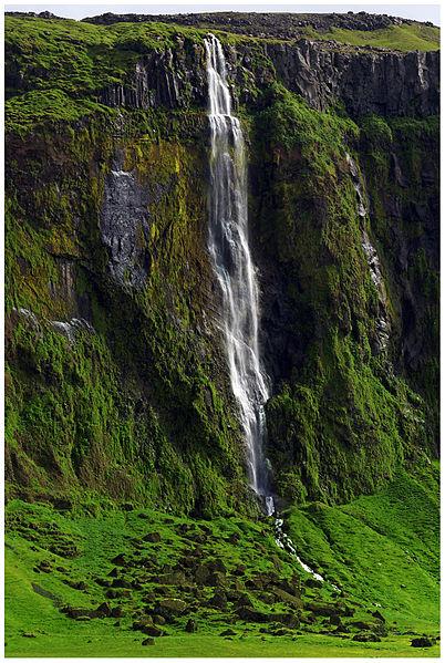 File:Waterfall (20467414678).jpg