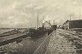 Werftanlage mit Lagerräumen am Rhein, Henkel & Cie, Düsseldorf 1916.jpg